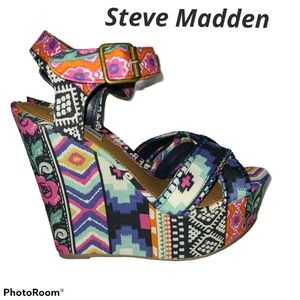 NwOT Steve Madden Bright Winonna Tribal Wedge